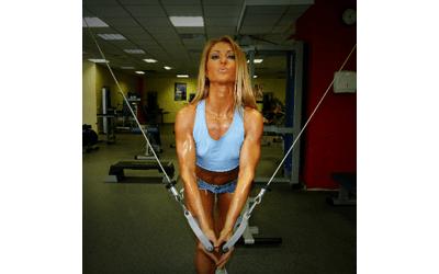 Kodėl moterys turėtų sportuoti treniruoklių salėje?