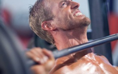 Penkios dažniausios klaidos treniruojant pečių raumenis