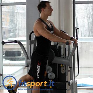 01-pratimai-koju-raumenims-kojos-mostai-i-prieki-stovint-treniruoklyje